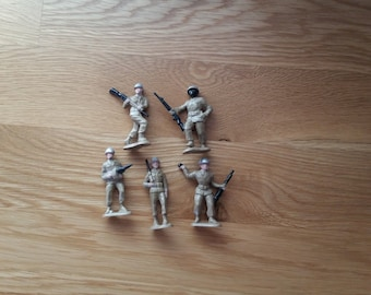 Vintage Plastic Figures Army Men by Bergen Toy