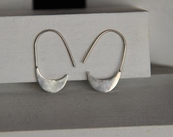 False safety pin earrings / pending false pin
