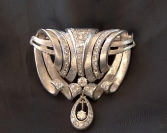 Antique Brooch Art Nouveau Patinum Diamond antique Brocge in Platinum and diamonds