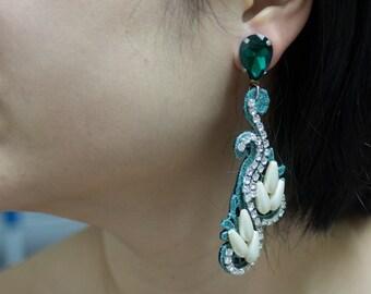 Light and luxury earrings