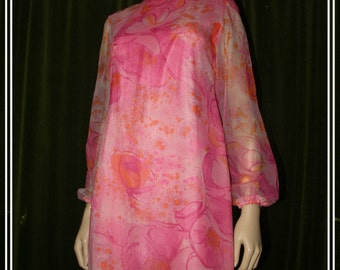 60s  vintage pink long sleeve 'Silver Star' dress. Size 14