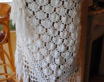 White vintage shawl 1950
