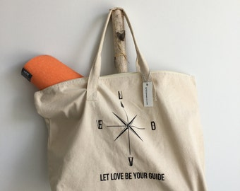 Love-compass tote with zipper