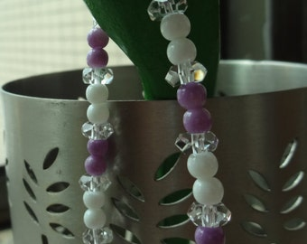 Simple and Elegant / Glass and Crystal Bead Bracelet