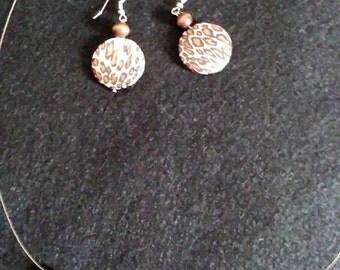 Cheetah print and wooden bead set