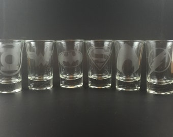 Justice League - Set of 6 Etched Shot Glasses - Batman, Superman, Wonder Woman, Flash, Aquaman, Green Lantern