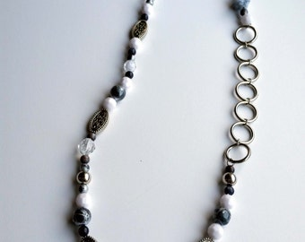 Black, White, and Metal Simplicity Necklace