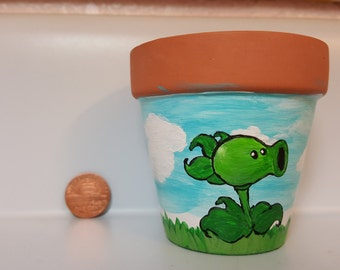 Plants vs Zombies inspired Clay Pot. Pea Shooter, small, hand painted. Acrylic paint.