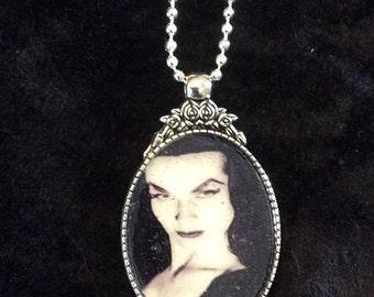Vampira Flower Pendant With Chain