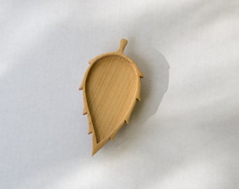 Leaf - Brooch Blank - Wooden Setting - Handcrafted by ArtBASE - Maple Wood - 80 mm Overall - (D101-Mp)