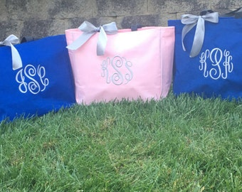 Bride Tote Bag, Bridesmaid Totes, Monogrammed Tote Bags, Gifts Party Favors, Personalized Totes, set of 2