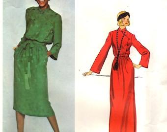 Vogue 1340 CHRISTIAN DIOR Paris Original 1970s Dress with Half Slip