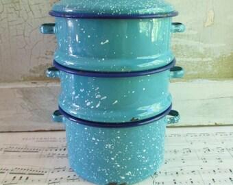 Set of Blue and White Stacking Graniteware Splatterware Bowls