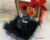 HALLOWEEN Diorama Jewel Box with glittered black Cat HAPPY HALLOWEEN
