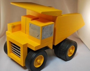 Wood Toy Mining Truck With Working Dump
