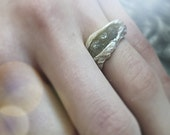 Days of Thunder hand sculpted twig ring w 1.8 ct three platinum colored octahedron diamonds size 5