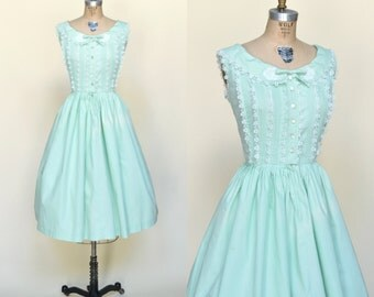 1950s Day Dress --- Vintage Sleeveless Mint Dress