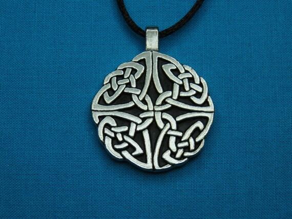 Medium Circular Celtic Knotwork Pendant in Silver Pewter, open, Handmade, Handcast STK057