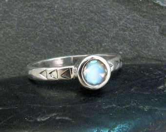Modern Moonstone Ring Sterling Silver - Blue Moonstone Ring- June Birthstone Ring - Size 6.75 - Triangle Band Moonstone Solitaire