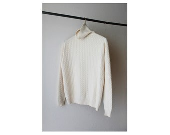 1970's Neutral Off White Turtle Neck Sweater
