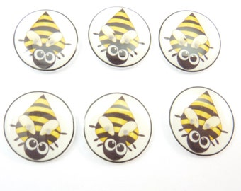 """6 Bumble Bee Buttons. Novelty buttons. 3/4"""" or 20 mm. Decorative sewing or craft buttons."""