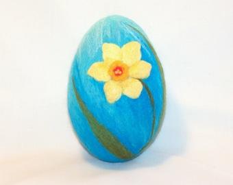 Extra Large Needle Felted Easter Egg - Daffodil on Turquoise Blue Egg