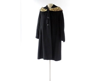 Vintage 1940s Coat / Leopard Print Collar / Black Wool Coat / S M