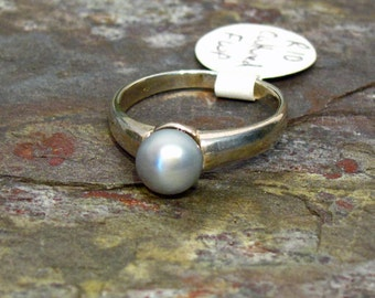 Pearl Ring: 6.5mm Silver Pearl ~ Cultured Freshwater Pearl in Sterling Silver Band ~ Small Ring ~ Pinky Ring - Size 4.5