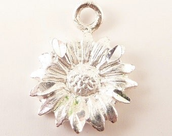 Vintage Sterling Daisy Flower Charm or Pendant