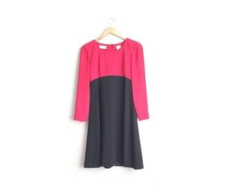 Size S // SALE // COLORBLOCK DRESS // Red & Black - Two-Toned Long Sleeve Mod Dress - Vintage '90s - Minimalist.