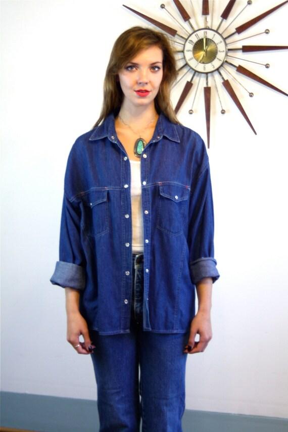 Vintage 80s SASSON Dark Blue Jean Blouse Western Style Denim Top Long Sleeve Pearl Snaps 1980s Designer Boxy Chambray Shirt oo-la-la Size L