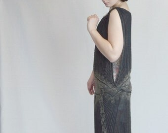 1920's Exquisitely beaded French flapper dress