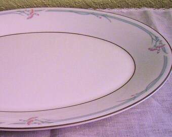 Royal Doulton Carnation Oval Server Oval Serving Platter, Vintage 1982