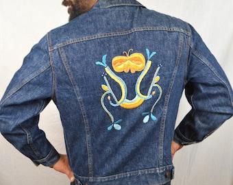 Vintage Levis Dark Wash Denim Jacket with Embroidery