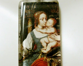 Madonna and child pendant with chain - GP01-058