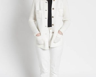 Vintage 60s White Ribbed Knit Collared Cardigan Sweater with Pockets   S/M