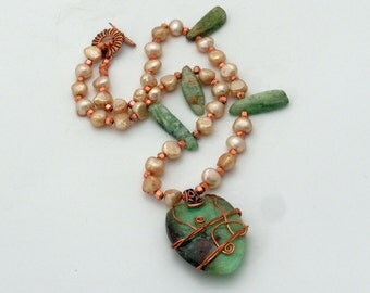 Green Gemstone and Pearl Necklace Set