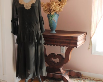 Vintage 1920s Flowing Ruffled Brown Silk and Ecru Lace Collared Dress