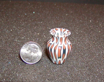 1/12 Scale Miniature Tiger Lily Poly Resin Turned Vase