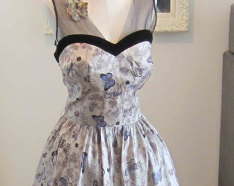 Butterflies Novelty Print Vintage Party Prom Dress with Netting Shelf Bust 1950's