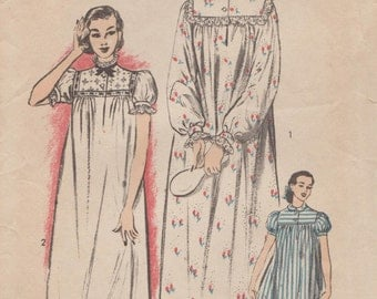 Advance 6258 / Vintage 50s Sewing Pattern / Gown Nightgown Lingerie Sleepwear / Size 18 Bust 36