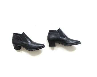 Vintage Ankle Boots 8 / Black Leather Chelsea Boots / Leather Booties / Italian Ankle Boots