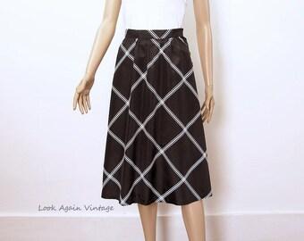 Vintage 1980s Skirt High Waist Black White Stripe Flared Skirt / Extra Small