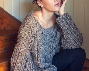 KNITTING PATTERN - English - Ribbed Knit Fall Sweater - One Size - Relaxed Fit - Oversized -  Direct Download PDF