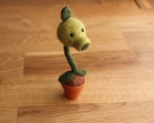 Needle Felted Peashooter - Needlefelt Plants vs Zombies Character - Felted Pea Shooter Character - Geeky Gifts For Gamers - Gaming Ornament