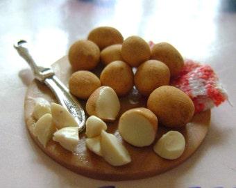 Dollshouse Food , miniatures dollshouse , tray potatoes