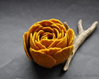 Mustard Yellow Felted Flower Brooch, Ranunculus Felt Flower Brooch, Honey Flower, Felted  Pin