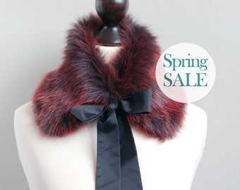 SALE 10% OFF Fur collar in Darkly Red. Winter neck warmer. Fur scarf.