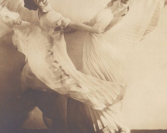 Modern Dance Pioneers, Else and Berta Wiesenthal by Hugo Erfurth of Dresden, circa 1910s