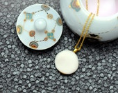 Porcelain necklace, white with gold